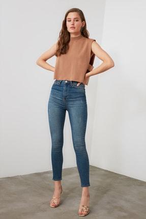 TRENDYOLMİLLA Mavi Yıpratmalı Yüksek Bel Skinny Jeans TWOAW21JE0517