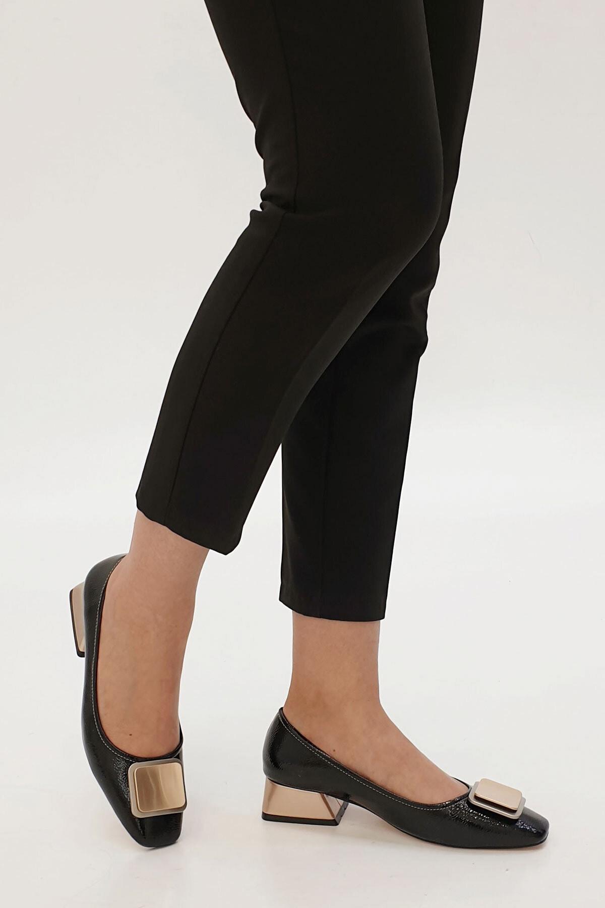 Marjin Kadın Siyah Rugan Tebra Topuklu Ayakkabı 2