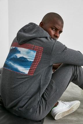 TRENDYOL MAN Antrasit Erkek Sırt Baskılı Sweatshirt TMNAW21SW0641