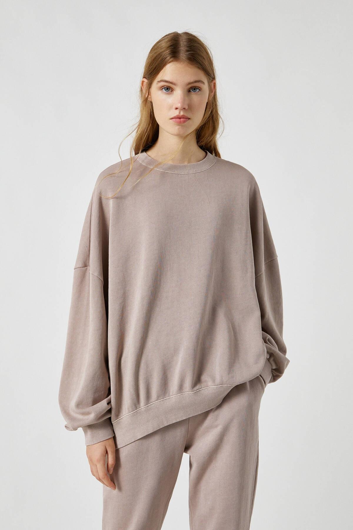 Pull & Bear Kadın Bizon Soluk Efektli Oversize Sweatshirt 09594390