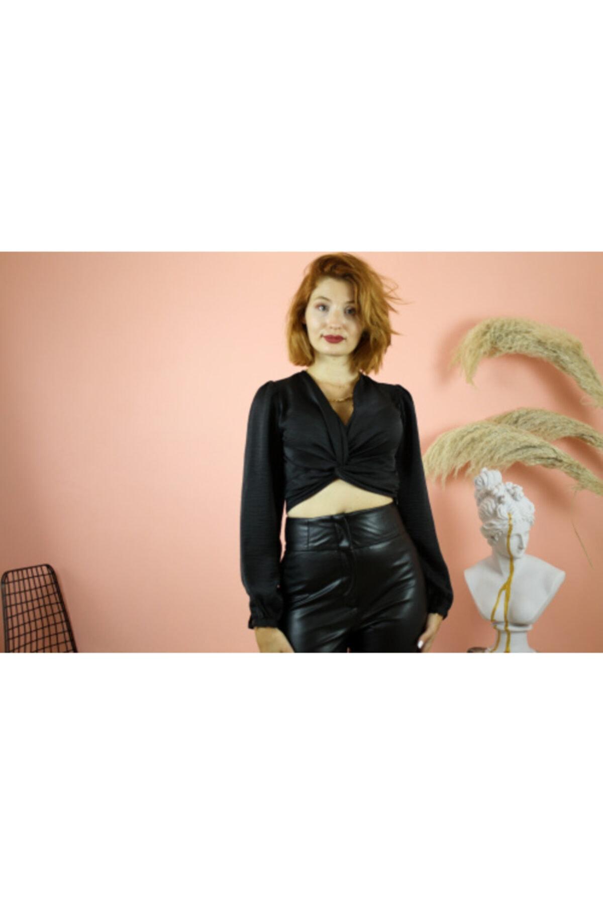 NİCE Kadın Siyah Göğüs Detaylı Bluz 1