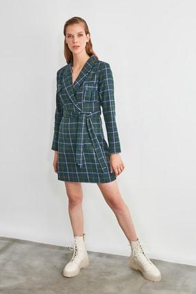 TRENDYOLMİLLA Çok Renkli Kuşaklı Kareli Elbise TWOAW21EL1866