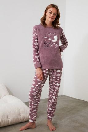 TRENDYOLMİLLA Mor Nakışlı Wellsoft Pijama Takımı THMAW21PT0651