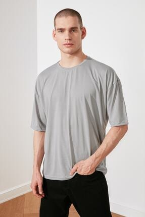 TRENDYOL MAN Gri Basic Erkek Oversize Bisiklet Yaka Kısa Kollu T-Shirt TMNSS21TS0811