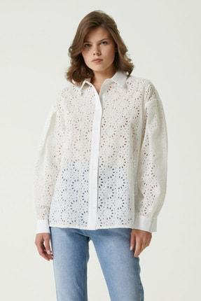 Network Kadın Regular Fit Beyaz Güpürlü Gömlek 1078892