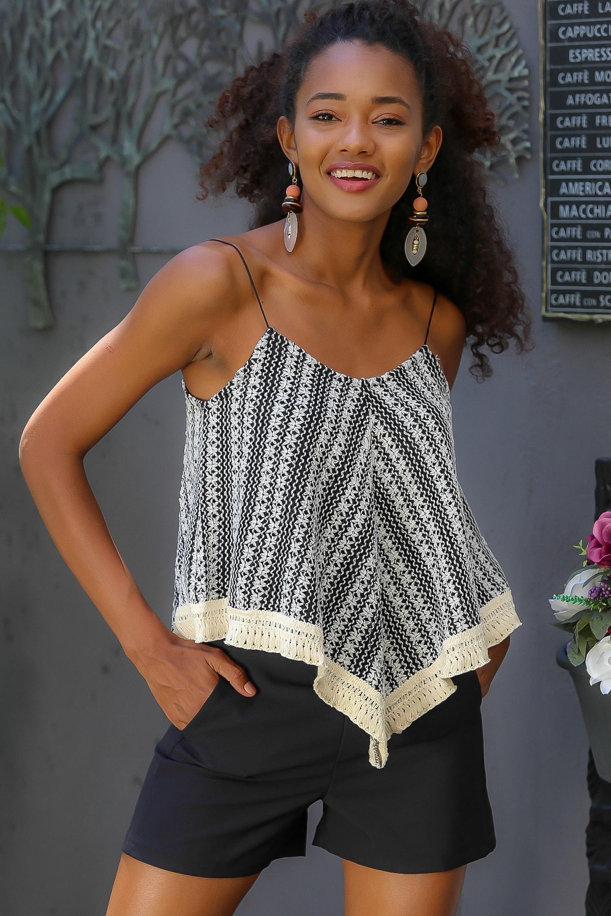 Chiccy Kadın Ekru-Siyah Askılı Ön Bedeni Astarlı Üçgen Etek Ucu Kopanaki Saçaklı Bluz M10010200BL95062