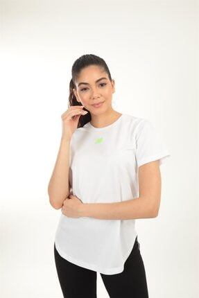 New Balance Beyaz Kadın T-shirt Wpt014-wt