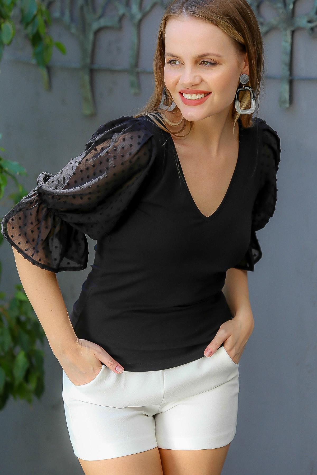Chiccy Kadın Siyah V Yaka Kapuz Kendinden Desenli Şifon Kol Detaylı Bluz M10010200BL95067