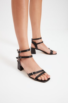 TRENDYOL SHOES Siyah İnce Bantlı Kadın Klasik Topuklu Ayakkabı TAKSS21TO0102