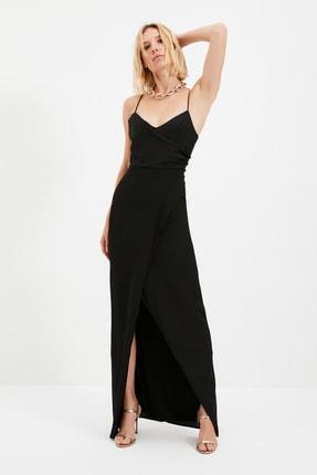 TRENDYOLMİLLA Siyah Yaka Detaylı Abiye & Mezuniyet Elbisesi TPRSS21AE0065