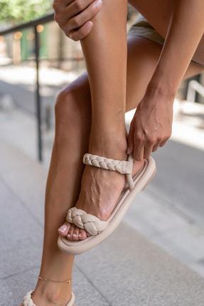 Madamra Bej Kadın Puf Örgülü Sandalet