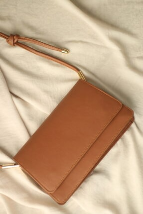 Aras Çanta Kahverengi Düğüm Askılı Baget Çanta