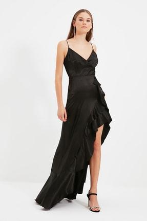 TRENDYOLMİLLA Siyah Volan Detaylı Abiye & Mezuniyet Elbisesi TPRSS20AE0198