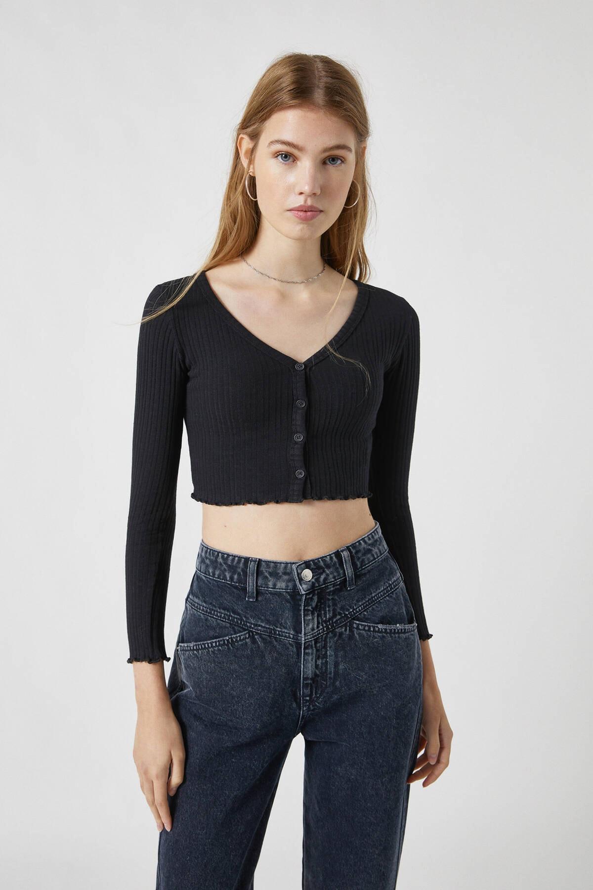 Pull & Bear Kadın Siyah Düğmeli Fitilli Crop Top 09249339