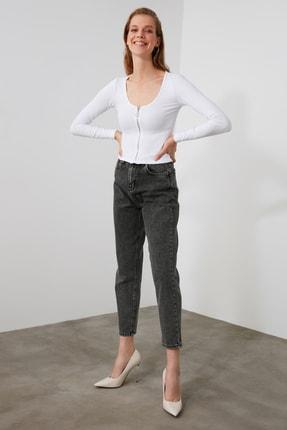 TRENDYOLMİLLA Gri Yüksek Bel Mom Jeans TWOAW21JE0634