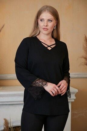 RMG Kadın Siyah Yaka Detaylı Kol Dantelli Büyük Beden Bluz