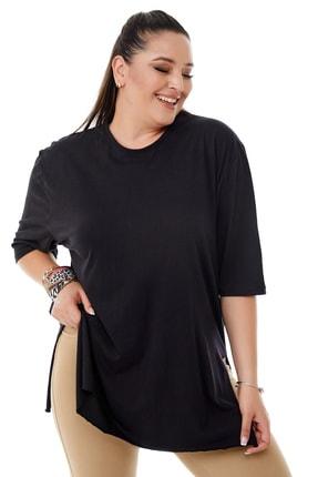 Siyezen Kadın Büyük Beden Siyah Yırtmaçlı Basic T-shirt