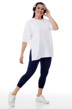 Siyezen Kadın Büyük Beden Beyaz Yırtmaçlı Basic T-shirt