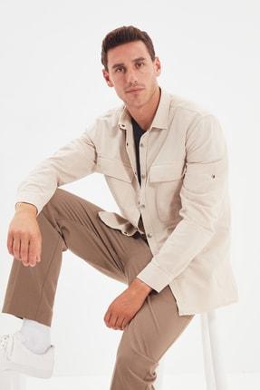 TRENDYOL MAN Krem Erkek Regular Fit Gömlek Yaka İri Cep Kapaklı Gömlek TMNSS20GO0507