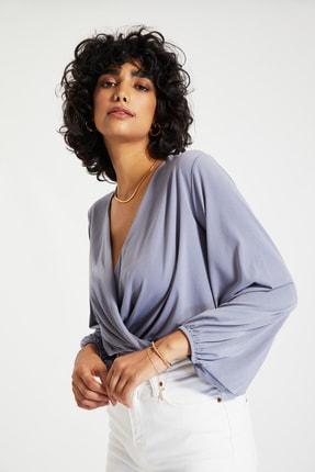 TRENDYOLMİLLA Gri Kruvaze Örme Bluz TWOAW20BZ0810