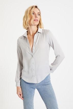 TRENDYOLMİLLA Gümüş Basic Gömlek TWOAW22GO0131