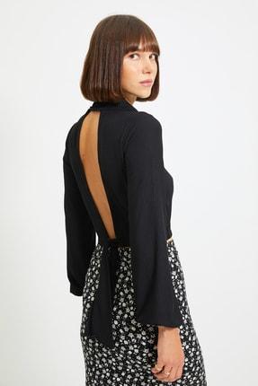 TRENDYOLMİLLA Siyah Sırt Dekolteli Örme Bluz TWOAW22BZ0260