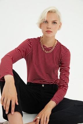 TRENDYOLMİLLA Kırmızı Çizgili Basic Uzun Kol Örme T-shirt TWOAW20TS0097