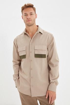 TRENDYOL MAN Bej Erkek Regular Fit Gömlek Yaka Çift Kapaklı Cepli Renk Bloklu Gömlek TMNAW22GO0453