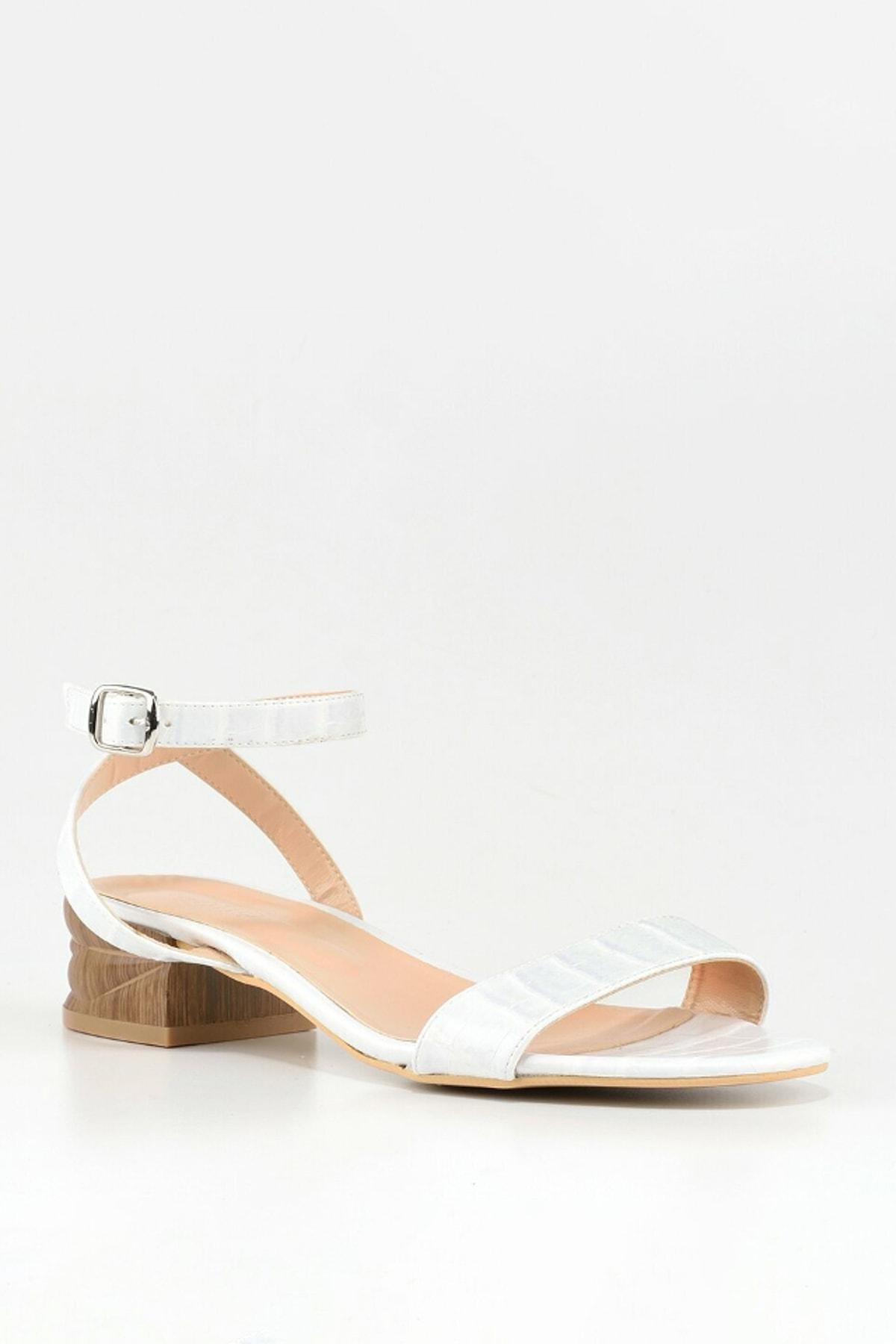 Hotiç Beyaz Kadın Düz Sandalet 2