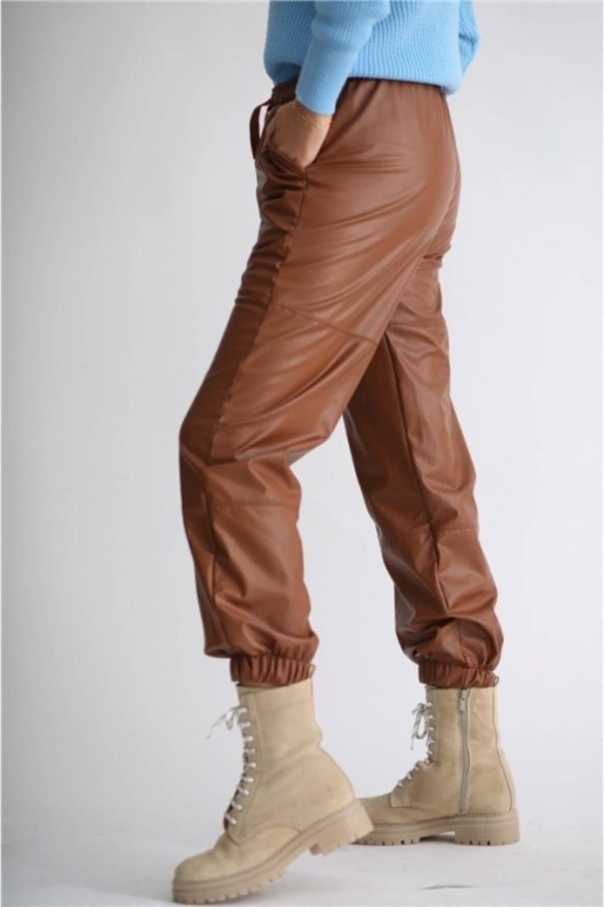 BEBE PLUS Kadın Kahverengi Beli ve Paçası Lastikli Deri Pantolon 1