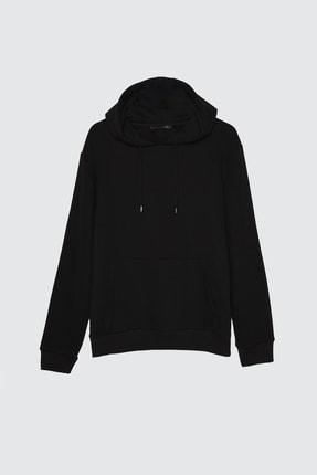 TRENDYOL MAN Siyah Erkek Kapüşonlu Kanguru Cepli Tok Kumaşlı Basic Sweatshirt TMNAW20SW0163