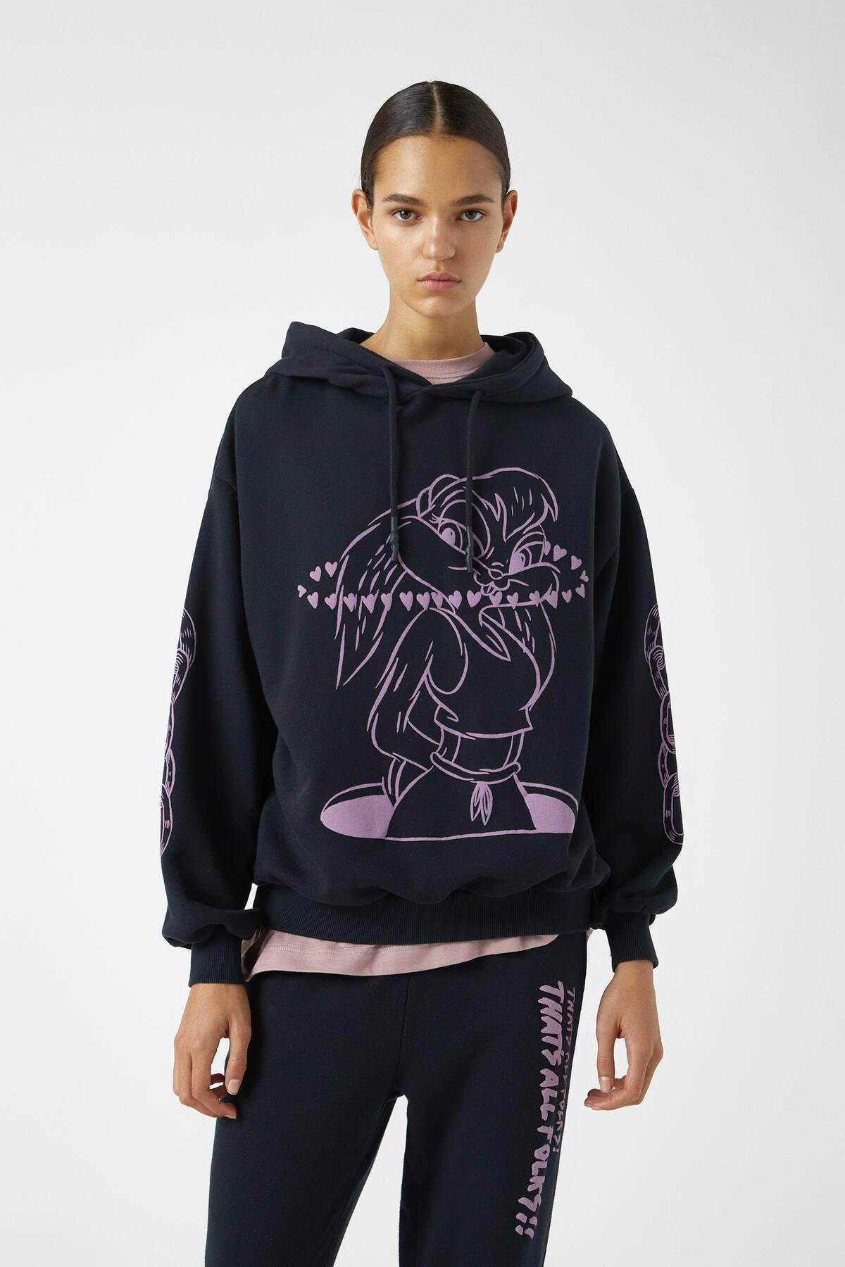 Pull & Bear Kadın Siyah Looney Tunes X Evan Rossell Görselli Sweatshirt 09594358