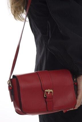 Fume London Kadın Kapaklı Kırmızı Tokalı Çapraz Ve Omuz Çantası Fb3171