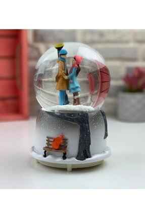 fishmeco Kış Masalı Otomatik Püskürtmeli Işıklı Müzikli Kar Küresi