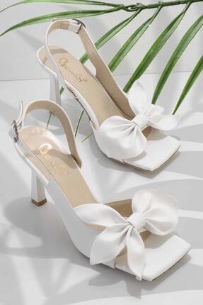 Bambi Beyaz Kadın Klasik Topuklu Ayakkabı K05527250009