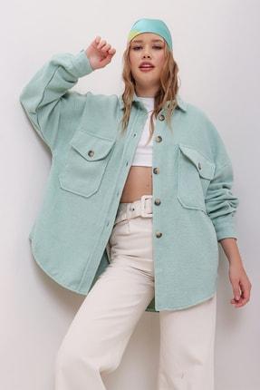 Trend Alaçatı Stili Kadın Çağla Yeşili Kaşe Pamuklu Oversize Ceket Gömlek ALC-X7143