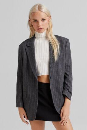 Bershka Kadın Maskulen Fit Blazer Ceket