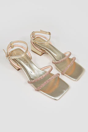 Limoya Cara Altın Bilekten Baretli Parlak Taşlı Topuklu Sandalet