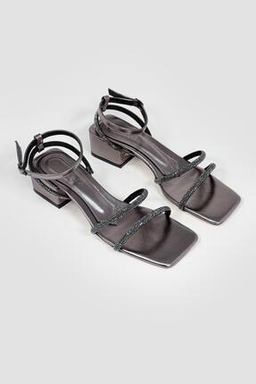 Limoya Kadın Cara Platin Bilekten Baretli Parlak Taşlı Topuklu Sandalet