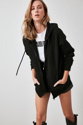 TRENDYOLMİLLA Siyah Kapüşonlu Oversize Şardonlu Örme Sweatshirt TWOAW21SW0840