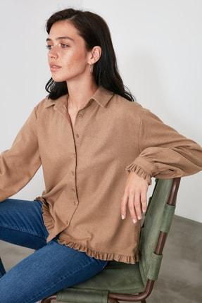 TRENDYOLMİLLA Taş Fırfır Detaylı Gömlek TWOAW21GO0577