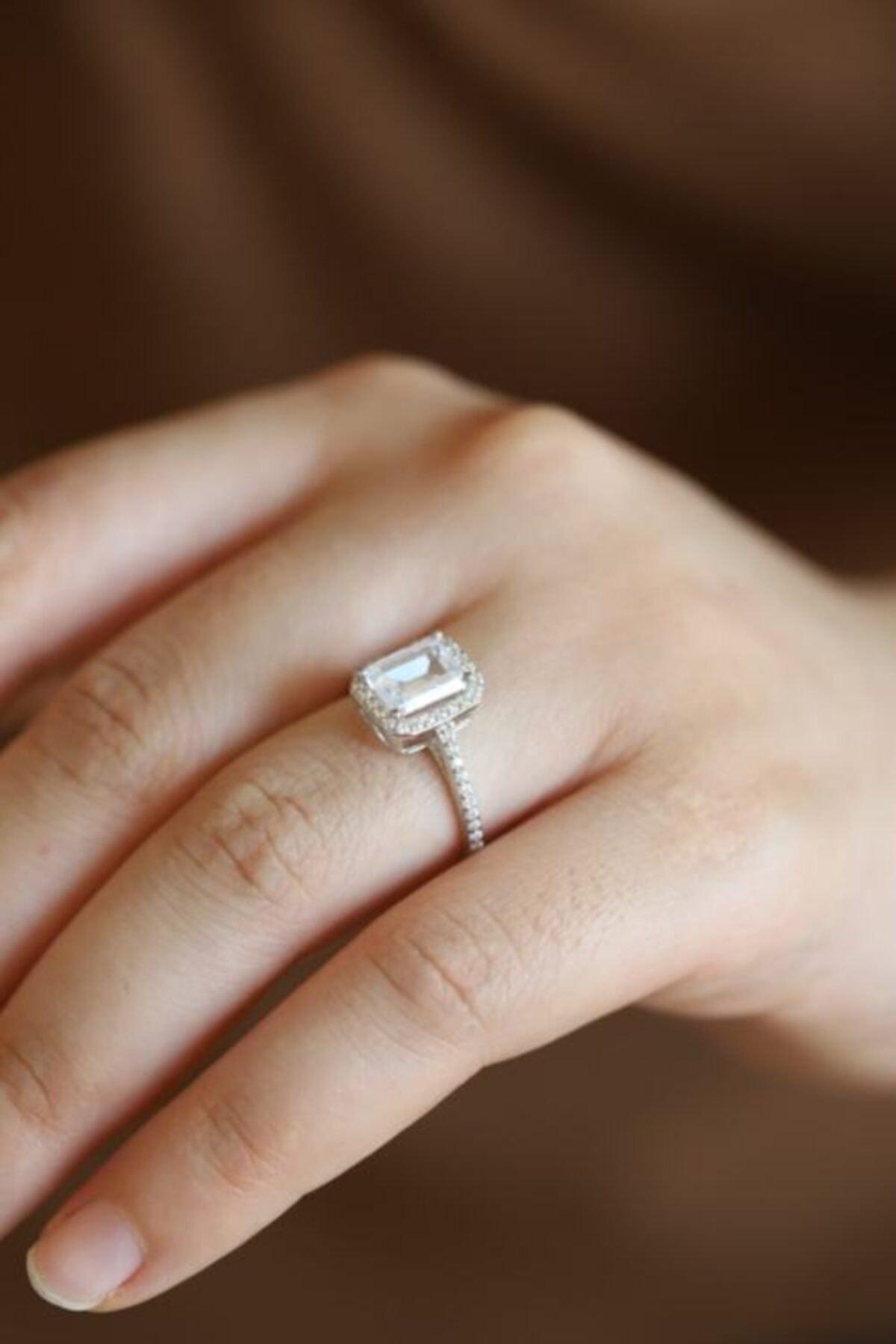 Doğan Silver Kadın Gümüş Rodyumlu Baget Taşlı Yüzük Dgn20513 2
