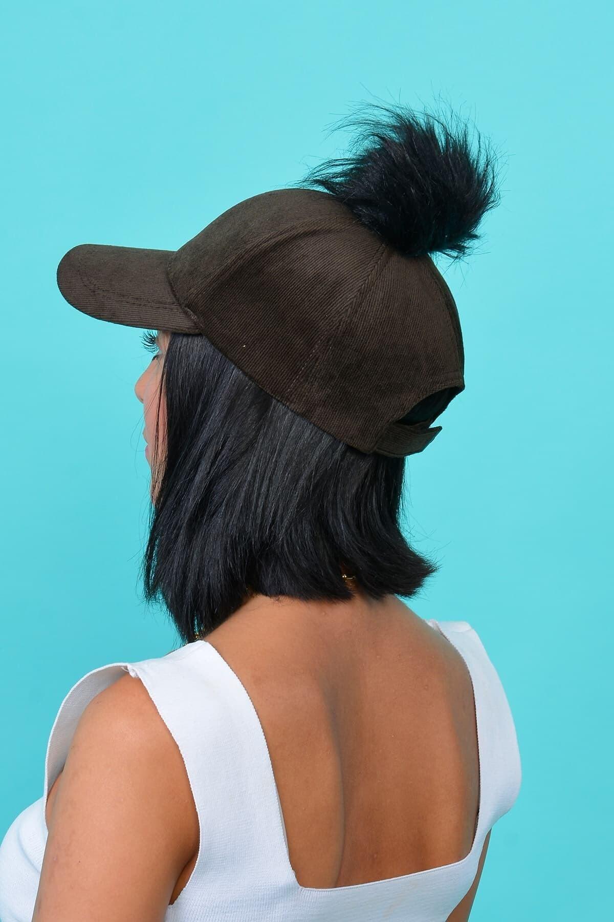 Mossta Kadın Kahve Kadife Ponponlu Şapka 2