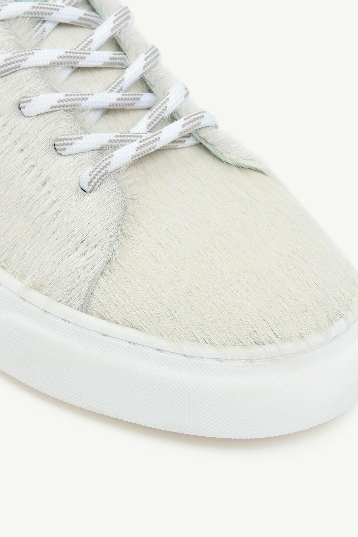 Yargıcı Kadın Ekru Kontrast Astarlı Tay Tüyü Deri Spor Ayakkabı 0KKAY4010X 2