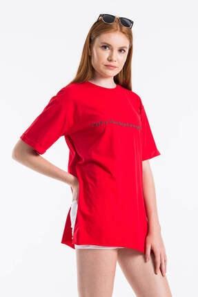 Mossta Kadın Kırmızı Yırtmaçlı Salaş T-shirt