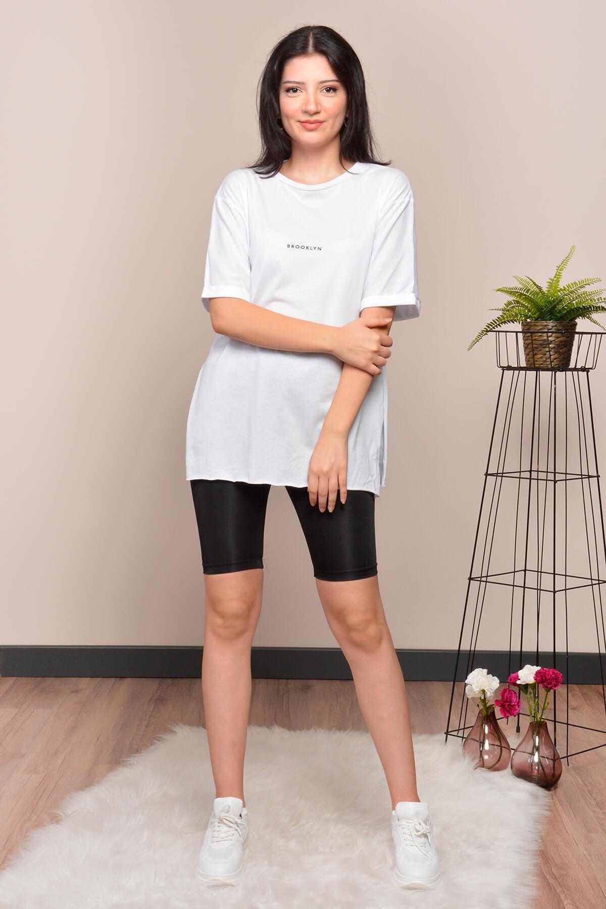 Mossta Kadın Beyaz Yırtmaçlı Lazer Kesim T-shirt 1