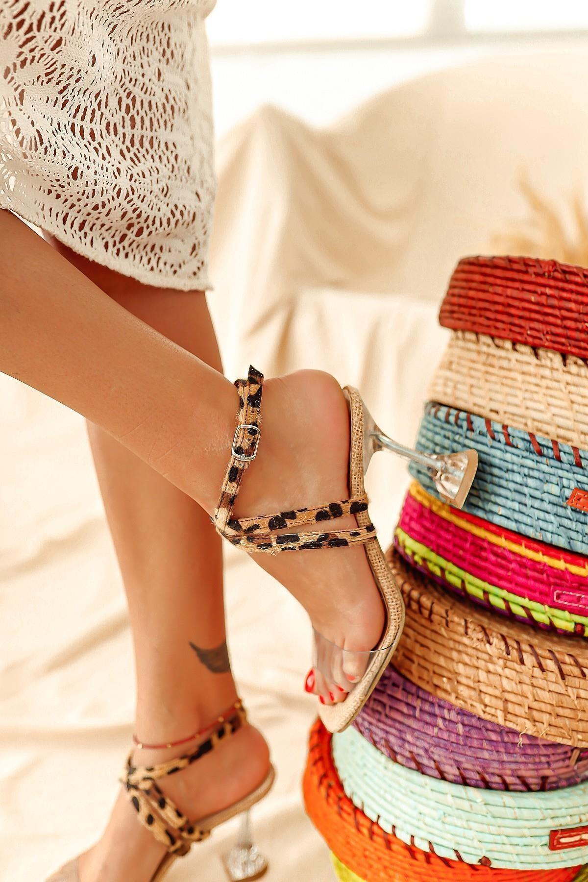 Limoya Kadın Kahverengi Şeffaf Hasır Leopar Desen Bantlı Topuklu Sandalet 1