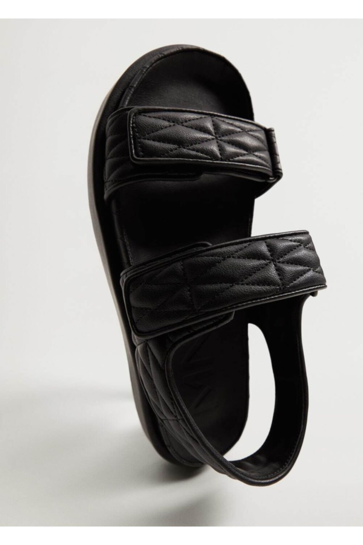MANGO Woman Kadın Siyah Kapitone Bantlı Sandalet 1