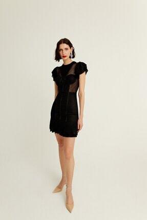 rue. Vücuda Oturan Volan Detaylı Yarı Transparan Siyah Mini Elbise