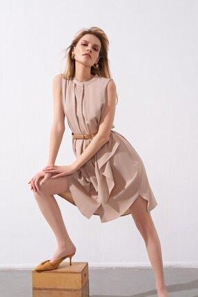 rue. Kemerli Fırfırlı Bej Mini Gömlek Elbise